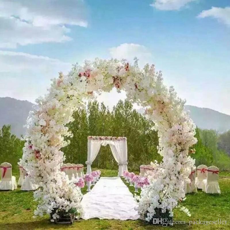 Pièces de centre de mariage en forme d'arche de mariage en métal porte suspendue guirlande stands de fleurs avec des fleurs de cerisier pour le décor d'événement de mariage