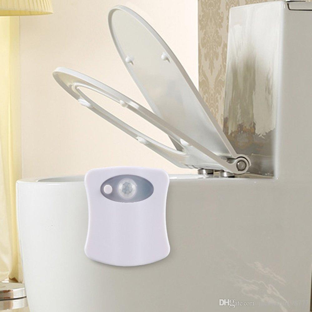 Beyaz Banyo Sensörü Tuvalet gece lambası LED Lamba ve fener İnsan Hareketi Aktif PIR 8 Renk Otomatik RGB Gece aydınlatma yenilik ışık