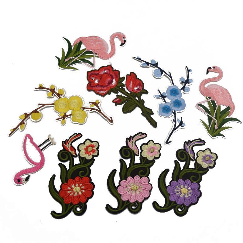 20 pcs AtacadoVarejo Para Encomendar Bordado de Ferro no Remendo Rose florwers flamingo patches applique