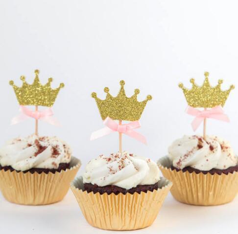 Großhandel Glitzer Gold Krone Prinzessin Thema Mädchen Geburtstag Cupcake Topper Baby Dusche Taufe Taufe Party Dekoration Donut Plektren Von