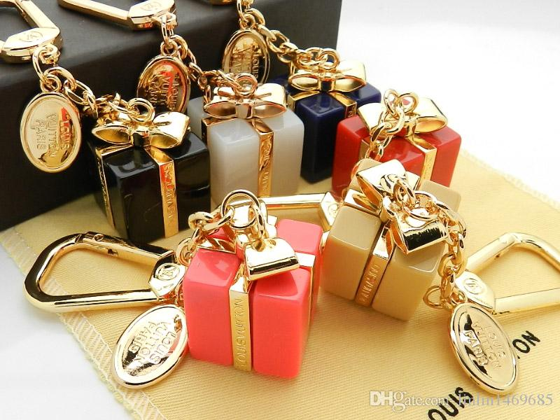 Factory Sell High Quality Fashion Letter Lock Metal Keychain Letter key ring Bag chain Man Woman's decoration More Style