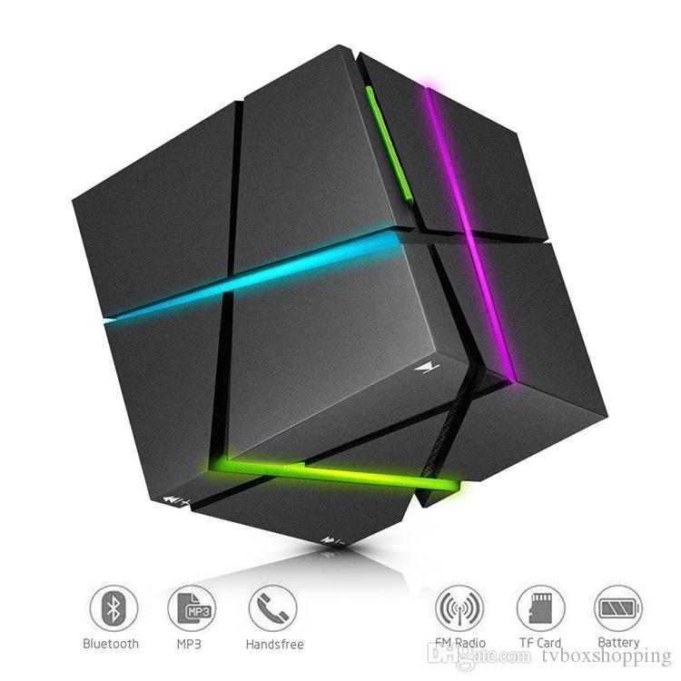 QUn Mini Cube Haut-parleurs stéréo 3D Son Haut-parleur portable Bluetooth sans fil Music Box Support carte TF avec la boîte au détail Une meilleure charge 3