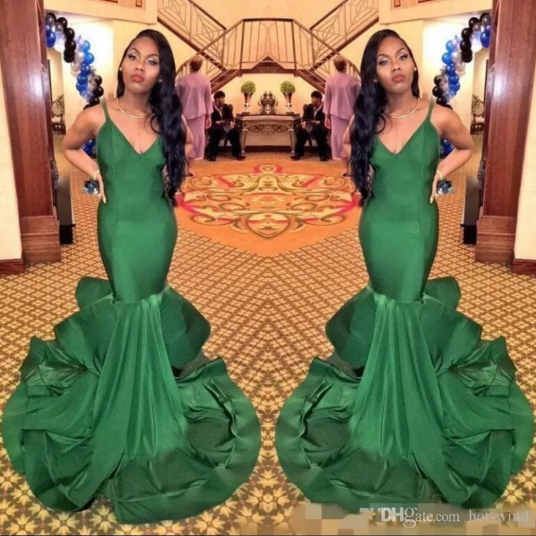 2018 Dark Green Mermaid Prom Dresses Spaghetti Straps V Neck Sexy Floor Length Formal Evening Party Gowns Cheap Vintage Black Girls Wear