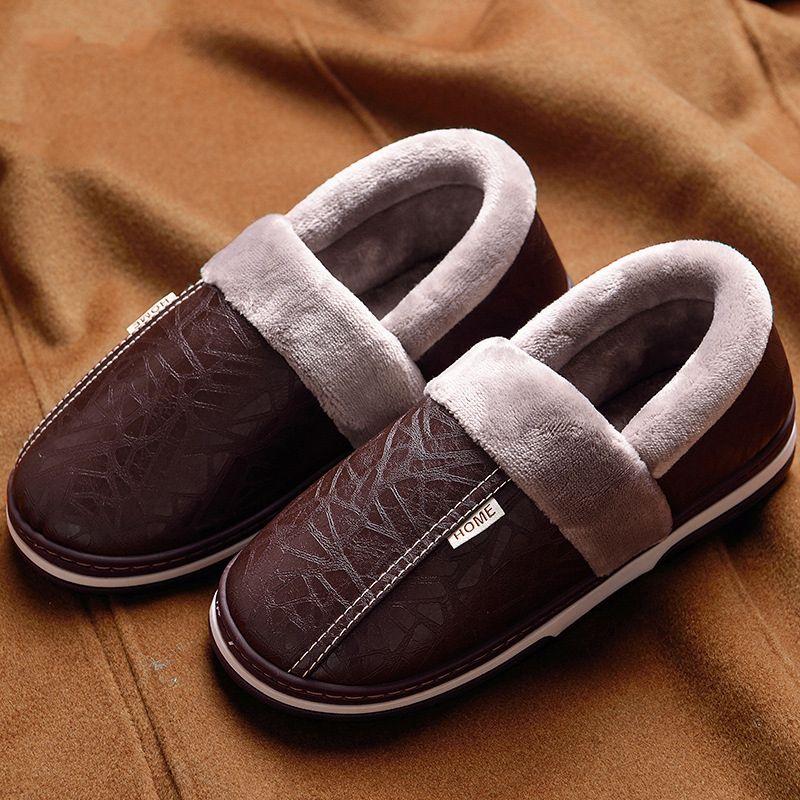 Chinelos de inverno à prova d 'água homens sapatos quentes plus size 39-48 chinelos de couro interior 2018 nova chegada para casa para homens