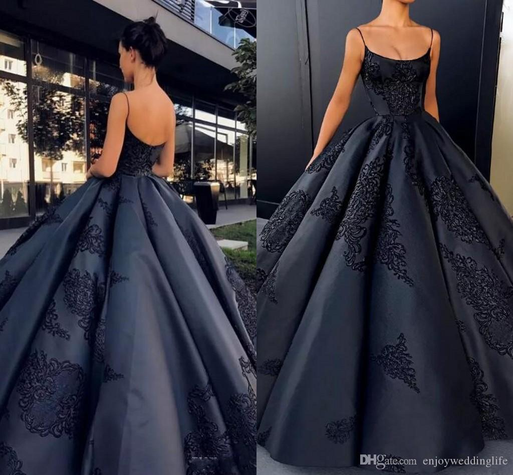 2021 SPAGHETTI BLACK SPAGHETTI SPANTS Vestido de bolas de satén Vestidos de noche Apliques sin mangas apliques sin espalda vestidos de fiesta africano.
