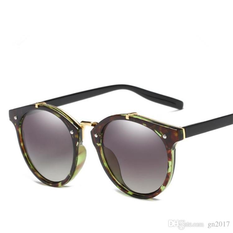 European Fashion Women Sunglasses Classic Sun Glasses Personality Eyeglasses Anti-UV Spectacles Eyewear for Shopping Travel Female Adumbral