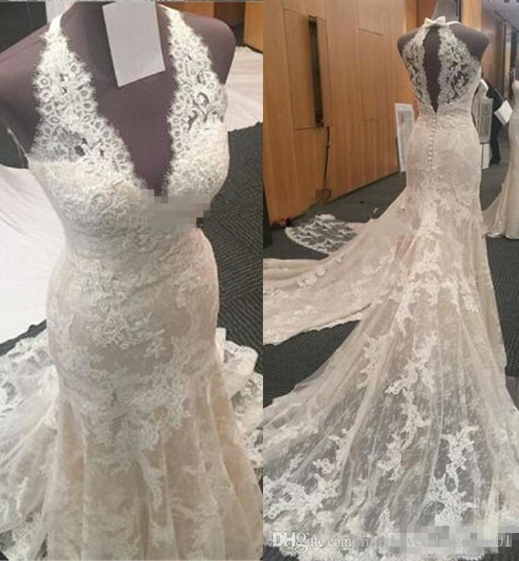 Vintage de encaje completo sirena vestidos de novia con cuello en V luz Champaña 2018 vestidos de novia de barrido de tren arco volver Dubai recepción vestido de novia
