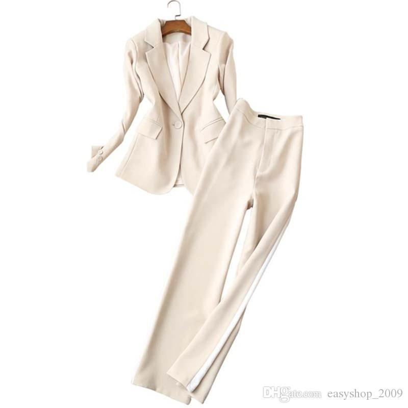 Costume deux pièces (veste + pantalon) de couleur blanche pour femmes chaudes