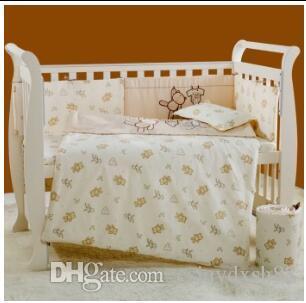 Вышивка мультфильм медведь Детские постельные принадлежности 100% хлопок Белый детская кроватка постельные принадлежности одеяло подушка бампер простыня 5 пункт детская кроватка постельные принадлежности набор