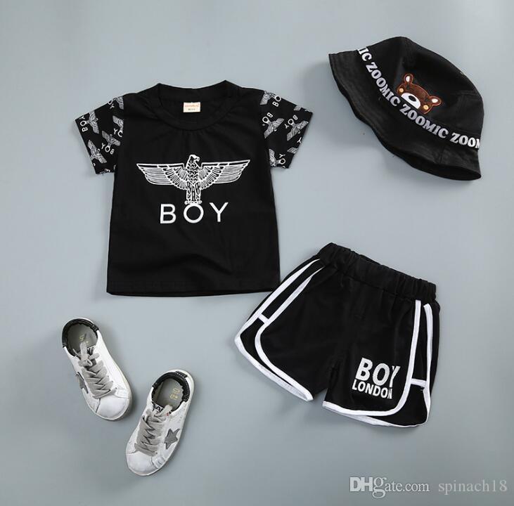 2018 bebés de verano para niños ropa conjunto bebés niños algodón Tops Tee camiseta + Shorts 2pcs Boy Set niños trajes blanco negro 3938