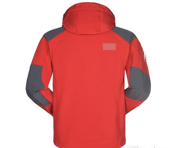 Großhandels-Männer imprägniern Breathable Softshell-Jacken-Männer im Freien Sport-Mäntel Ski-wandernde windundurchlässige Winter Outwear Softshelljacke