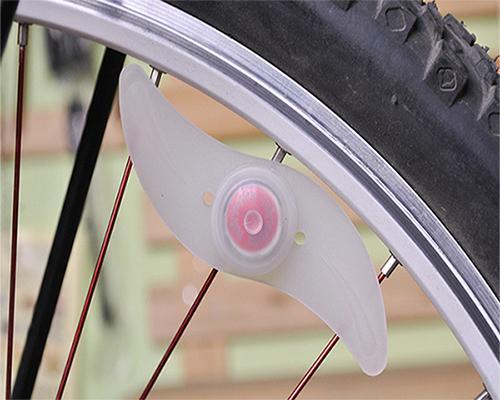 Bicicleta ao ar livre falou luz mountain bike lâmpada de fio de salgueiro colorido hot wheels silicone luz equipamentos de ciclismo