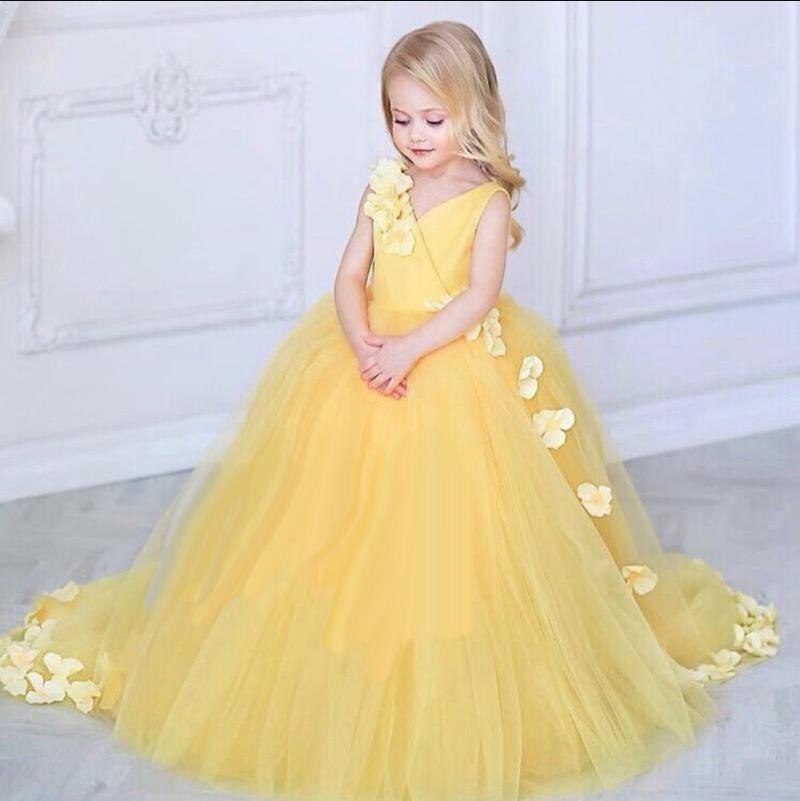 Compre Vestidos Para Niñas De Flores Vestidos De Tul Largos Nueva Llegada 2018 Vestidos Para Niñas Con Flores Escote En V Tren De Barrido 3d Floral