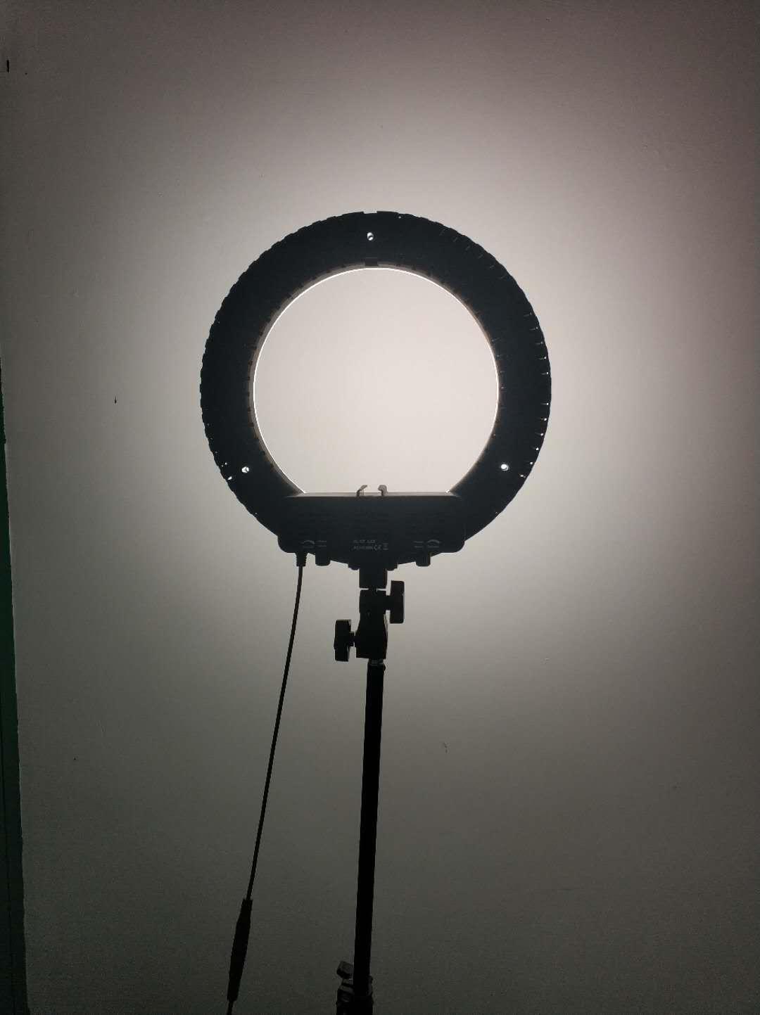 Fotografia do diodo emissor de luz da iluminação do círculo do diodo emissor de luz que ilumina o lúmen alto dimmable 50W
