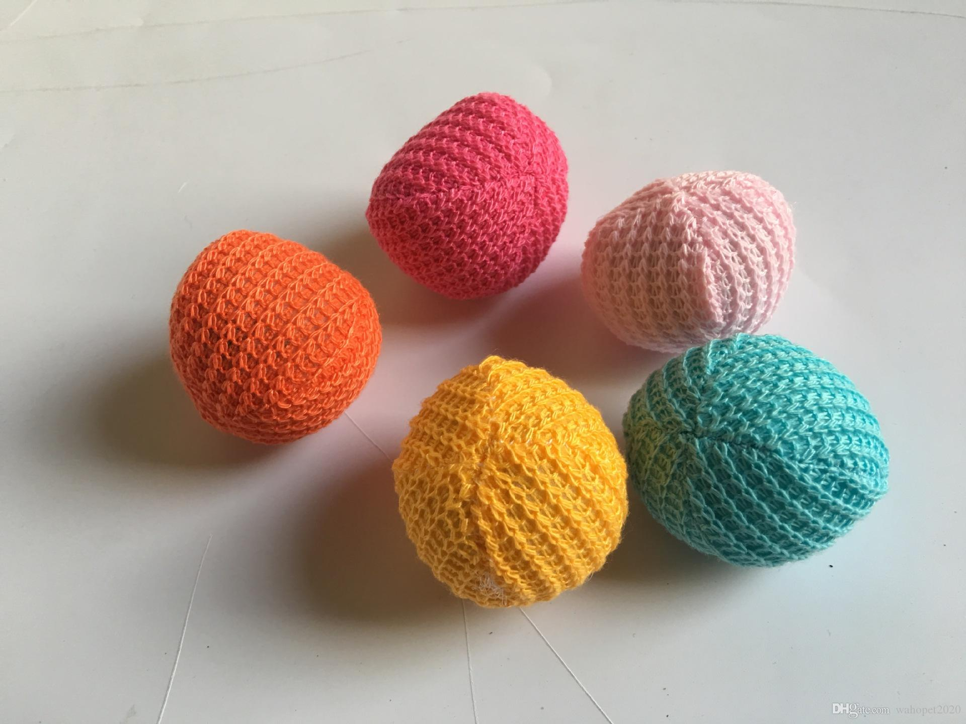 El gatito libre del gato del animal doméstico del envío que juega la bola de las lanas de los juguetes con catnip mezcló los colores 30pcs / lot