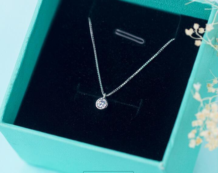 Vero. 925 gioielli in argento sterling fortunato solitario rotondo CZ pendenti / collana 5mm tinny / piccoli gioielli GTLX706 Y1892806