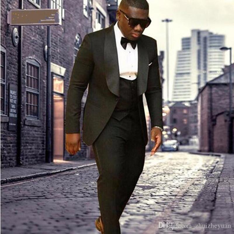 Ultimi disegni Uomo vestito 2018 Scialle Risvolto nero Smoking dello sposo Uomo Abiti da sposa Best Man Fiammata (giacca + mutanda + gilet + cravatta)