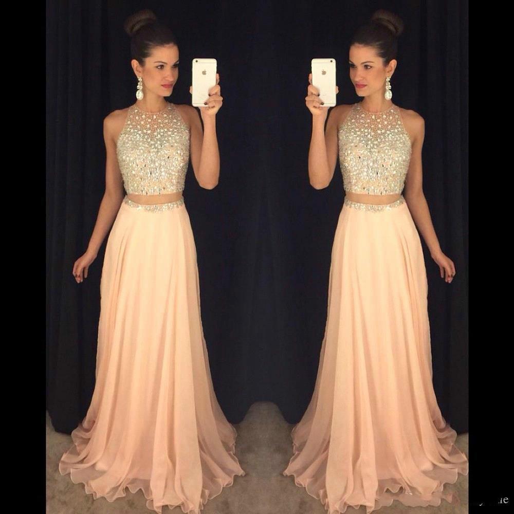 Großhandel Pink Crop Top Kleider Abendkleid Zweiteiler Silber Kristall  Sheer Back Chiffon Sexy Langes Kleid Für Abschlussfeier Kleider 20 Von