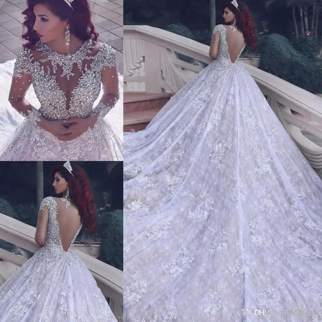 2020 Bling Crystal arabe Une ligne Robes de mariée Jewel cou à manches longues en dentelle pleine Sheer Back Plus Appliques Taille train chapelle Robes de mariée