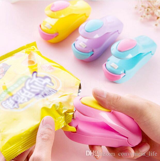 Agregado Familiar Mini Capper Portátil Doce Cor Saco De Plástico De Vedação Da Máquina De Aquecimento De Cerâmica Cabeça Sealer Para uso doméstico