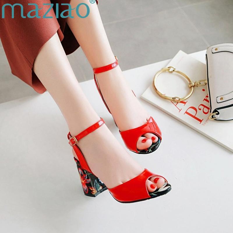 Venta al por mayor 2018 Gladiador de verano sandalias de las mujeres flor de moda tacones altos correas del tobillo rojo rosado blanco partido zapatos de boda mujer