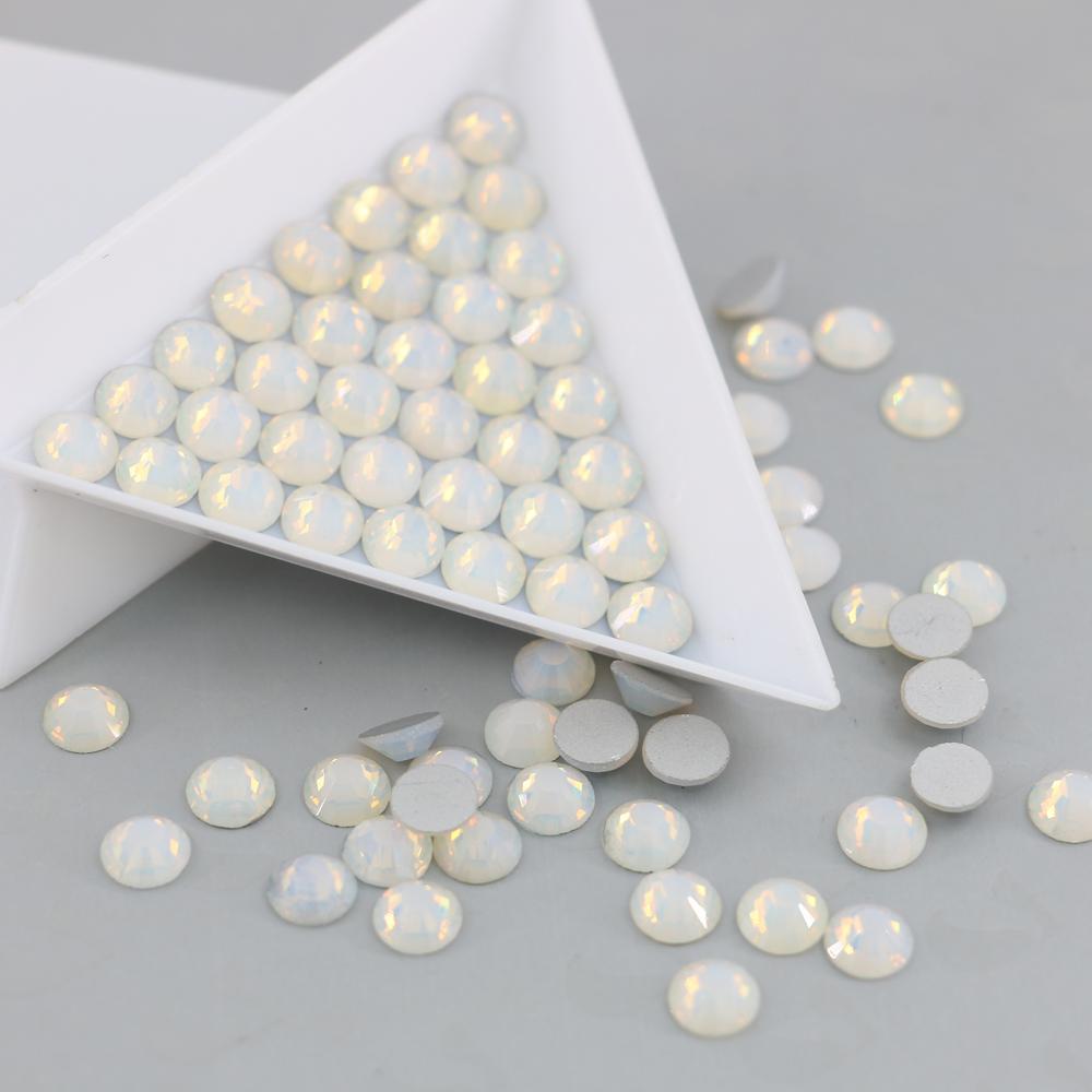 Плоской задней не исправление горный хрусталь горячей продажи 3D Nail Art украшения Flatback стразы SS3-SS30 (опал Белый)