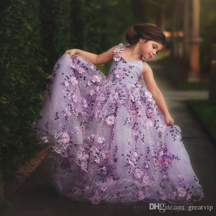 라벤더 레이스 어린 소녀 미인 대회 드레스 3D 꽃 아플리케 유아 볼 가운 꽃의 소녀 드레스 바닥 길이 얇은 명주 그물 영성체 드레스
