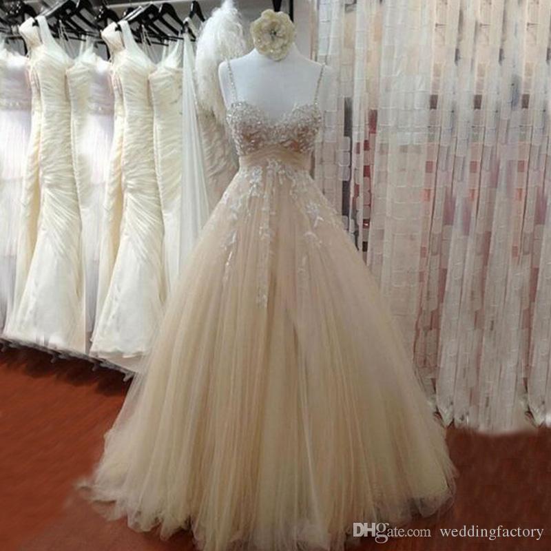 Champagne ligero Vestidos de novia vintage Abalorios Apliques de encaje Correas espaguetis Tul acanalado Vestidos de novia largos Una línea por encargo