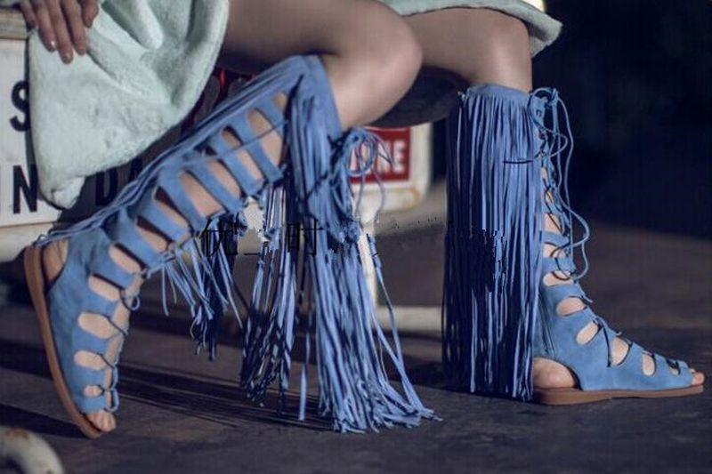 Yüksek Kalite Kadın Moda Peep Toe Mavi Süet Deri Düz Püsküller Gladyatör Boots Cut-out Uzun Saçaklar Düz Çizmeler Elbise Ayakkabı