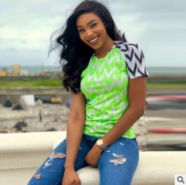 2018 лето Женская футболка огненный элемент контраст цвета шить футболка зеленый шею с коротким рукавом тройники топы