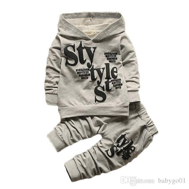 Erkek bebek Çocuk Sonbahar Kış 2018 Çocuk Giyim 2 adet Setleri Kapüşonlu Ceket + pantolon Mektup Takım Güz Pamuk Spor Eşofman Açık