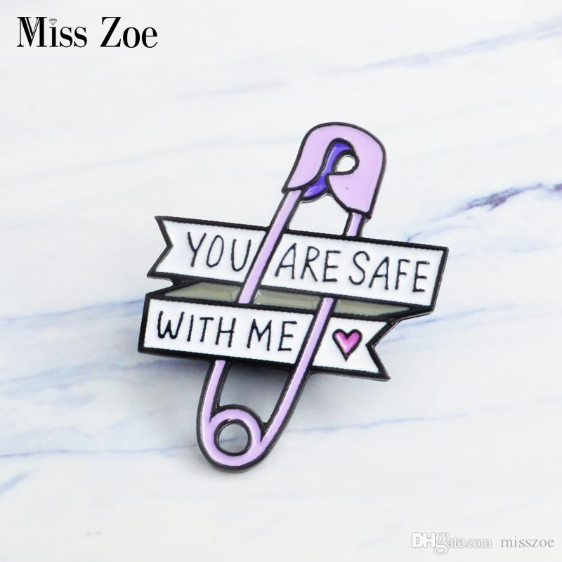 Miss Zoe Paars papier clip emaille pin little heart Broche Gift icoon Badge Denim Jeans Revers pin Kleding cap bag Creative gift meisje