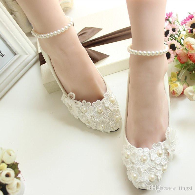 White Lace Flower Wedding Shoes Beading Straps 5Cm Low Heels Bridal Shoes Cheap Shoes Ladies Heels Slip On Women Pumps 2018