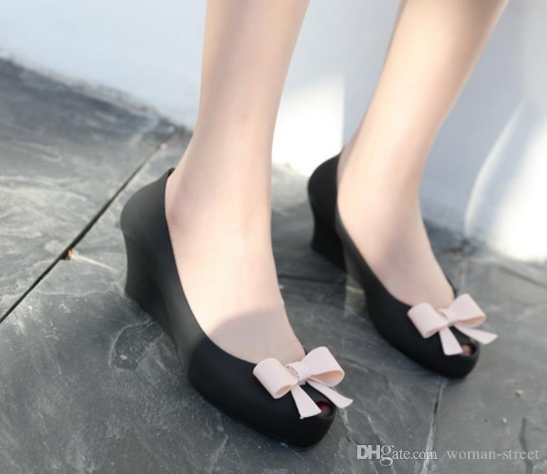 Летняя женщина боути водонепроницаемый желе обувь леди с открытым носком клинья пляжные сандалии склон женщины платье одиночные туфли девушка дождь обувь