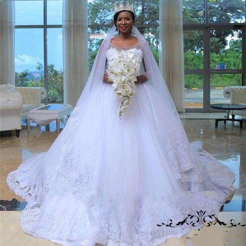Vestidos de novia de talla grande africanos con cuello escarpado 3/4 Manga larga Vestidos de novia Cuenta de apliques de encaje de tren Vestido de novia barato de país