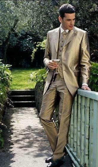 Hombres de la moda de boda esmoquin oro brillante de 3 piezas Traje de novio esmoquin Hombres de alta calidad Cena formal ropa de baile (chaqueta + pantalones + Tie + Vest) 1274