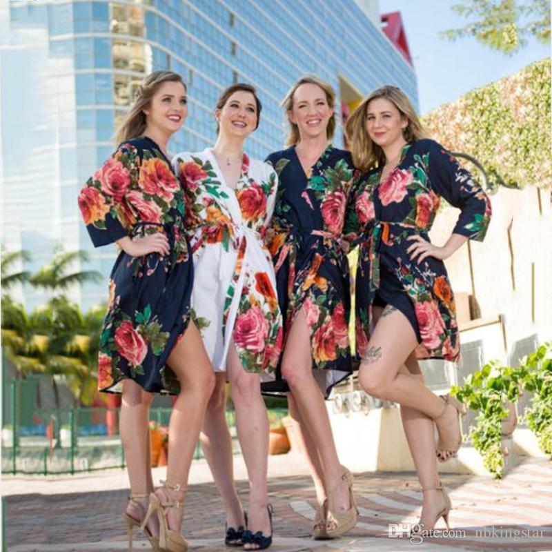 Moda Ipek Saten Kısa Kimono Robe Düğün Gelin Nedime Gece Robe Çiçek Bornoz Kadın Kadınlar Için Sabahlık