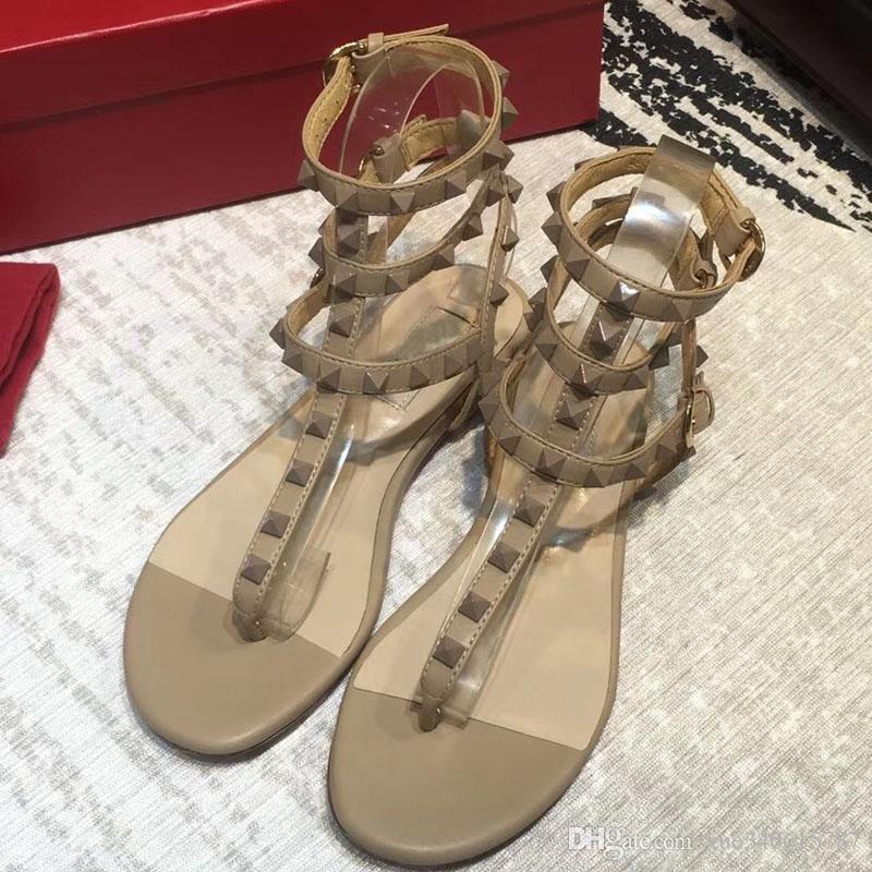 2018 Nueva moda Verano Mujer sandalias de tacón alto Sandalias planas Arco Remache Moda Crystal Beach Shoes