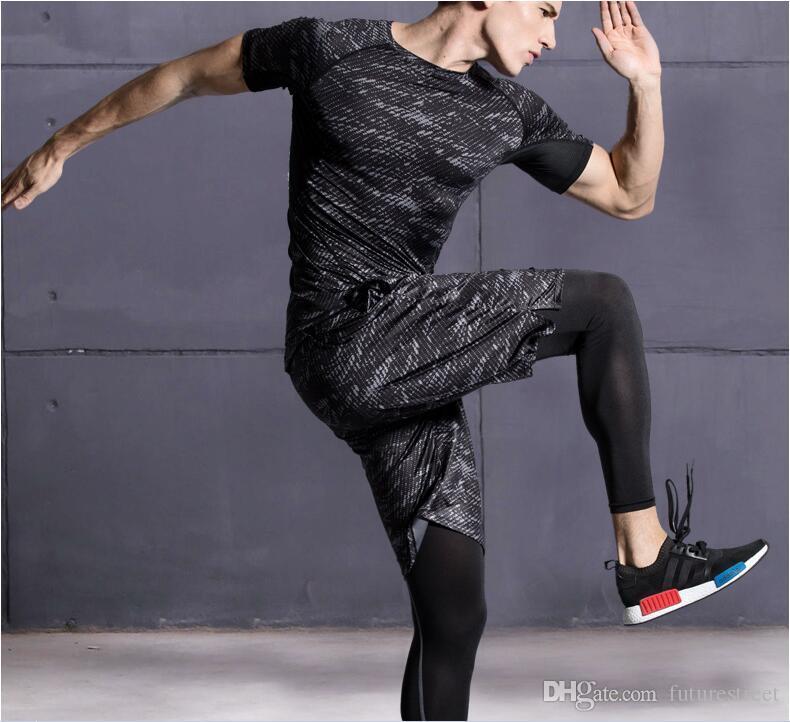 Nuevo chándal de compresión Fitness ajustado Conjuntos de camiseta + Joggers Leggings Ropa deportiva para hombres Gimnasia completamente seco Ropa Traje de entrenamiento 3 piezas / conjunto