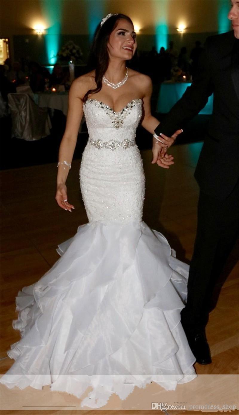 Vintage 2020 sirène robes de mariée en mousseline de soie Sash cristaux perles Sexy chérie lacets Retour Volants Robes de mariée