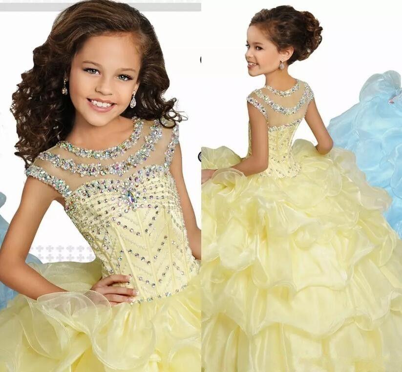 Açık Sarı Prenses Balo Kız Pageant Törenlerinde Cap Kollu Kristaller Boncuklu Ruffles Performans Elbiseler Çocuklar Örgün Parti Törenlerinde