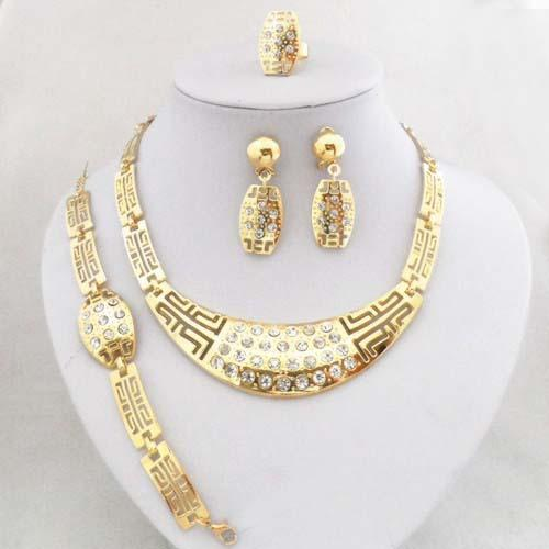 Exquisite gold diamond alloy jewelry, earrings necklace rings Bracelet Set Wedding Accessories