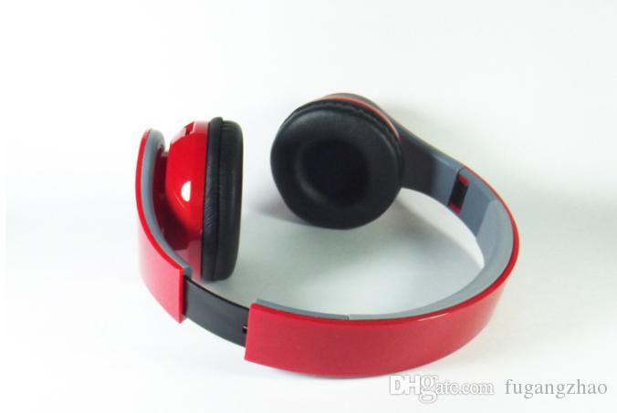 Wireless Bluetooth headset, heavy bass sound quality, suitable for computer games, sports. You can insert cards and listen to FM.