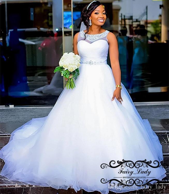 Acheter Femmes Africaines Pays Robes De Mariee 2018 Sheer Jewel Neck Argent Perles Blanc Puffy Une Ligne Longue Robe De Mariee Robe De Noiva De