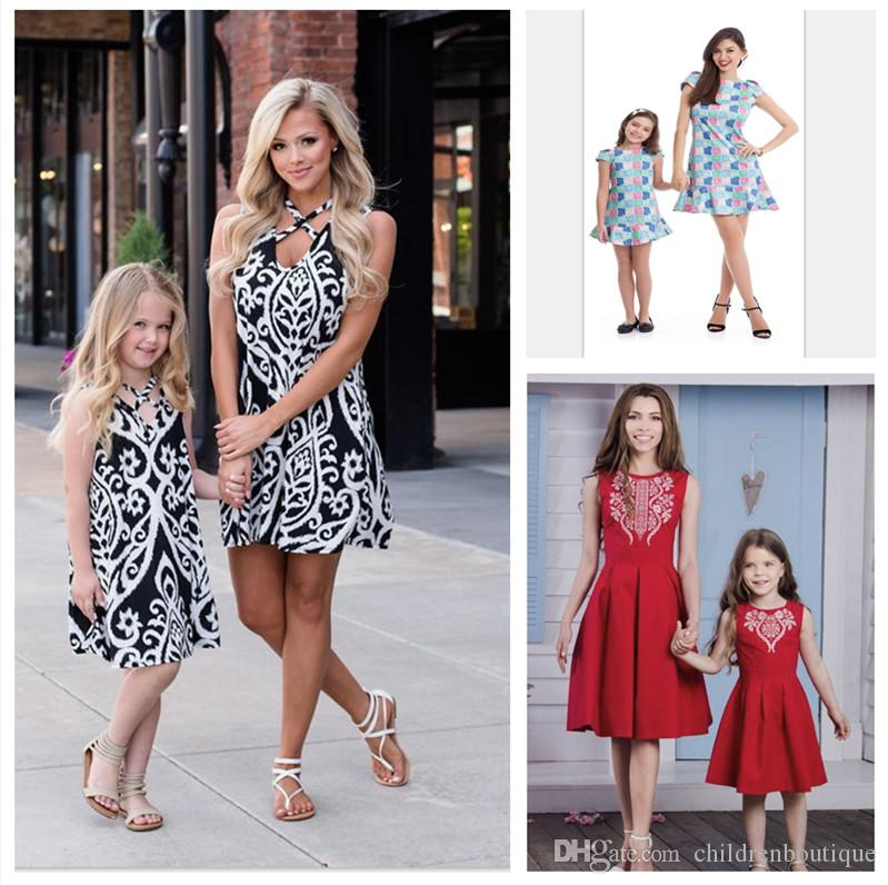 Mom And Daughter Clothes Family Matching Outfits Mother And Me Summer Dress Family Look Kids Children Sleeveless Grid Printed Dresses