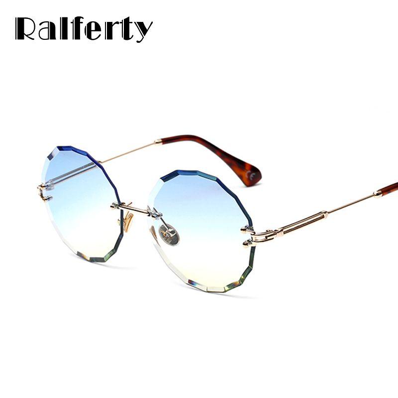 Compre Ralferty 2018 Óculos De Sol Redondos Mulheres Desenhador Sem Aro De  Cristal Óculos De Sol UV400 Feminino Luneta De Soleil Gunes Gozlugu W18905  ... e43fb737b1