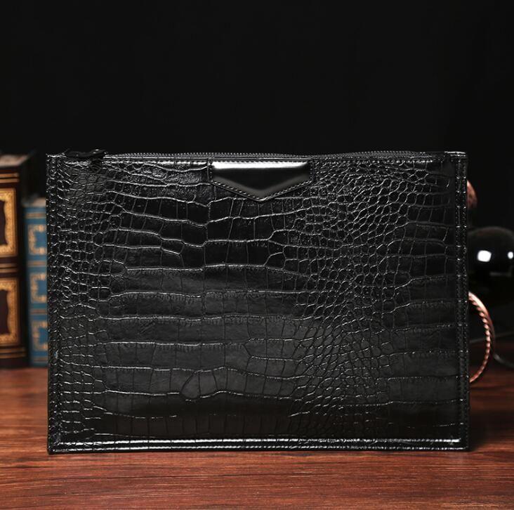 Original desig brand bag trend embossed crocodile men hand bag leather simple man with large capacity package are crocodile men envelope bag