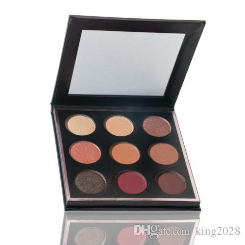 في المخزون والشحن مجانا! Munny MUA x Makeup Geek Eyeshadow Palette 9 Colors يدوم طويلاً غير لامع.