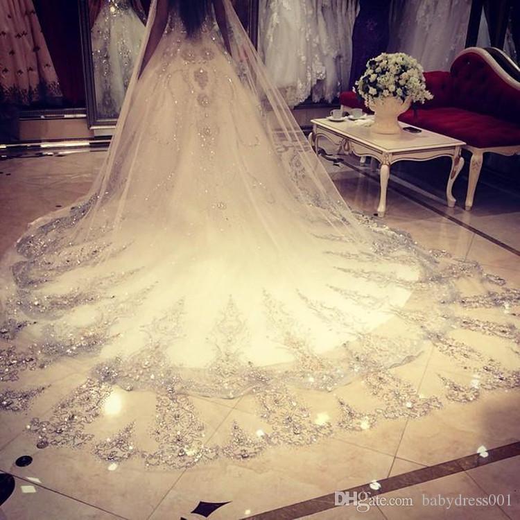 2017 Bling Bling Kristal Katedral Gelin Veils gerçek fotoğraflar Lüks Uzun Aplike Boncuklu Custom Made Yüksek Kalite Düğün Veils payetli