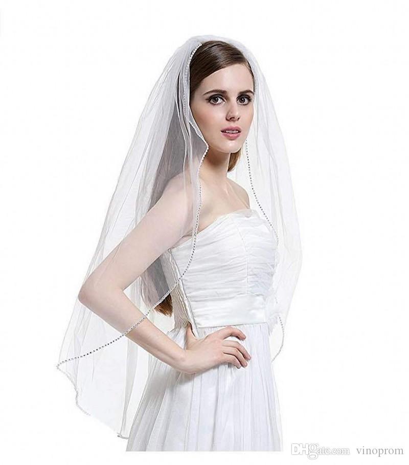 2018 Elegante veli da sposa corti Uno strato 75cm Lunghezza con pettine velare bianco per la cerimonia nuziale Festa da sposa Bordo in rilievo Tulle velo